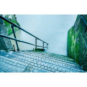 wapping old steps
